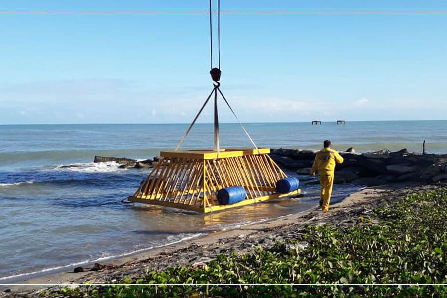 Rejilla-gigante-diseño-especial-para-termo-guajira-en-plastico-de-alto-impacto-resistente-a-la-salinidad-del-mar-de-color-amarillo-fabricada-por-maderplas